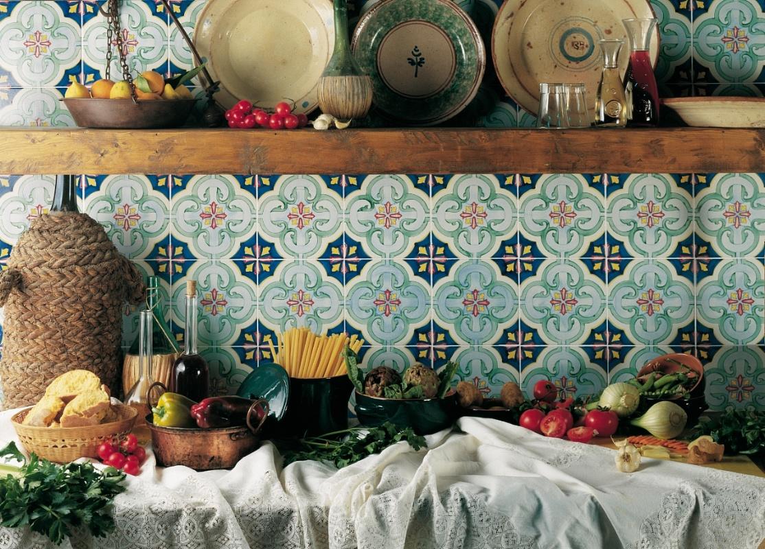 Ceramica di vietri francesco de maio antichi decori for Piastrelle maiolica cucina