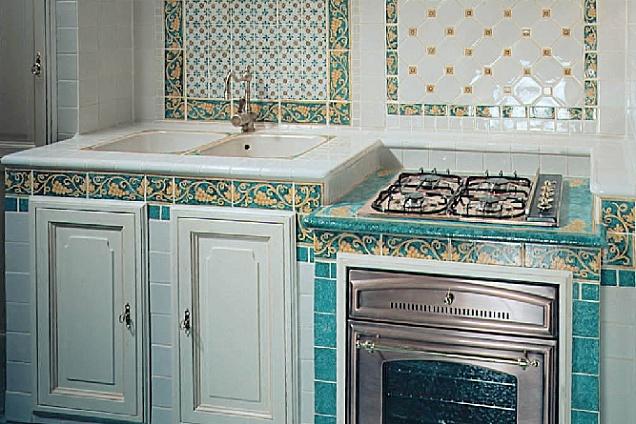 Rivestimenti maiolica - Mattonelle 10x10 cucina in muratura ...