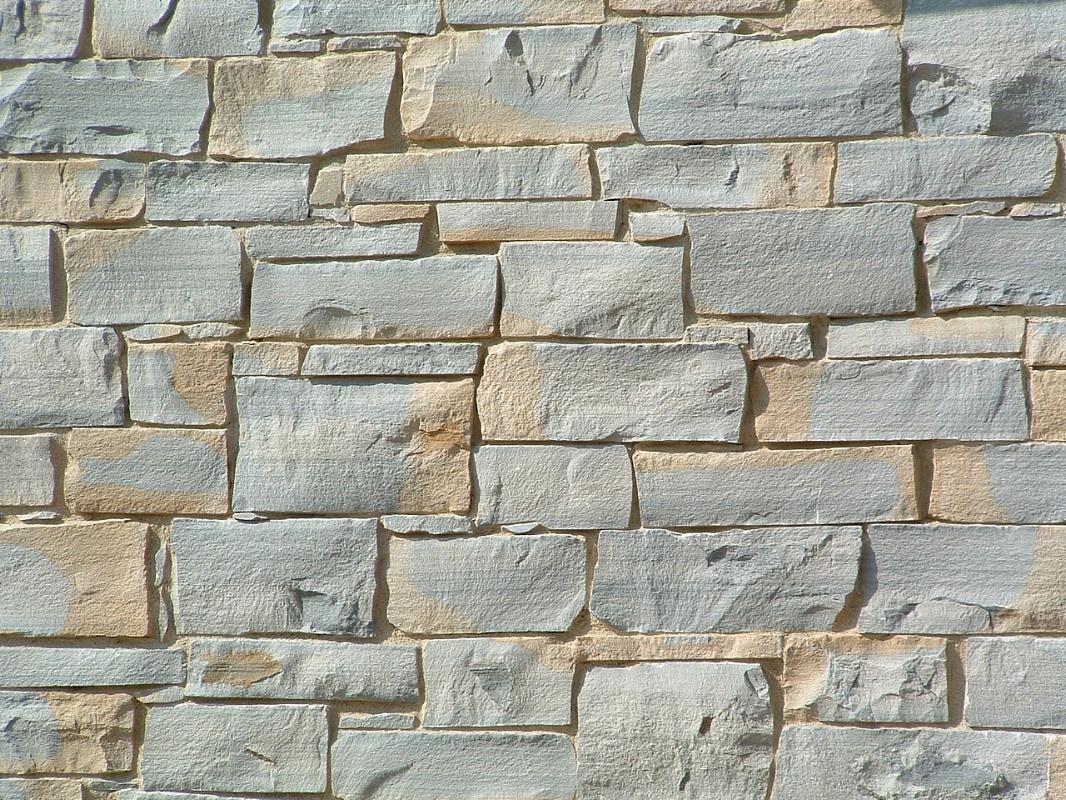 Pareti In Pietra Vera: Grigio carnico r rivestimento in pietra naturale by bu b.